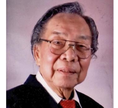 Elderly Asian Customer wearing Bach hearing aids